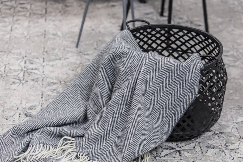 Oxford & White Herringbone Throw