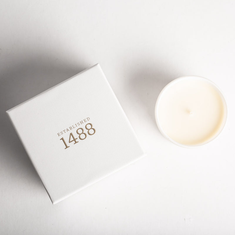 White Pepper, Honeysuckle & Vertivert Travel Candle