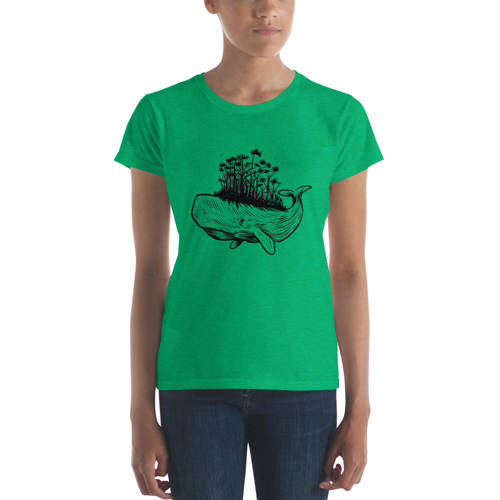 women whale forest Women's short sleeve t-shirt