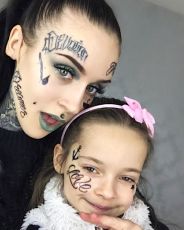 tattooed mom and daughter