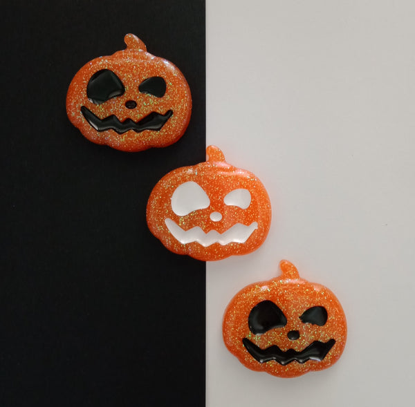 The Jack-O-Lantern Brooch - Black Inlay