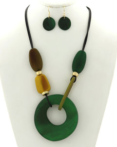 ACRYLIC GRADUATING NECKLACE & EARRING SET - GOLD/GREEN