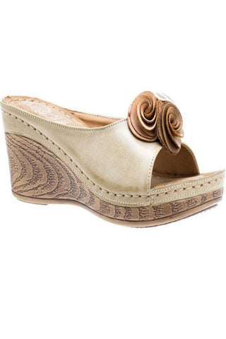 Natural Pep Toe Wedge with Floral Swirl Flower Details