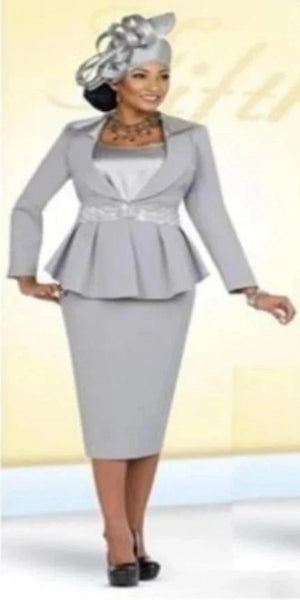 Platinum Three-Piece Suit with Rhinestone Embellishments Around the Waist