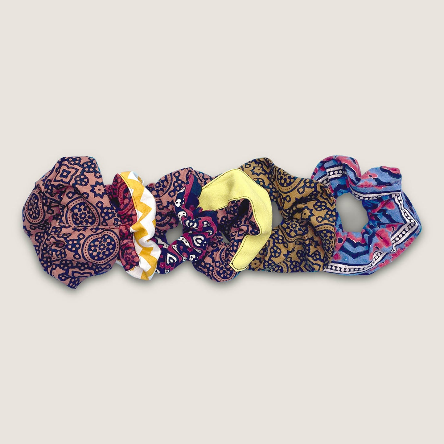 Good Locks Scrunchie Set