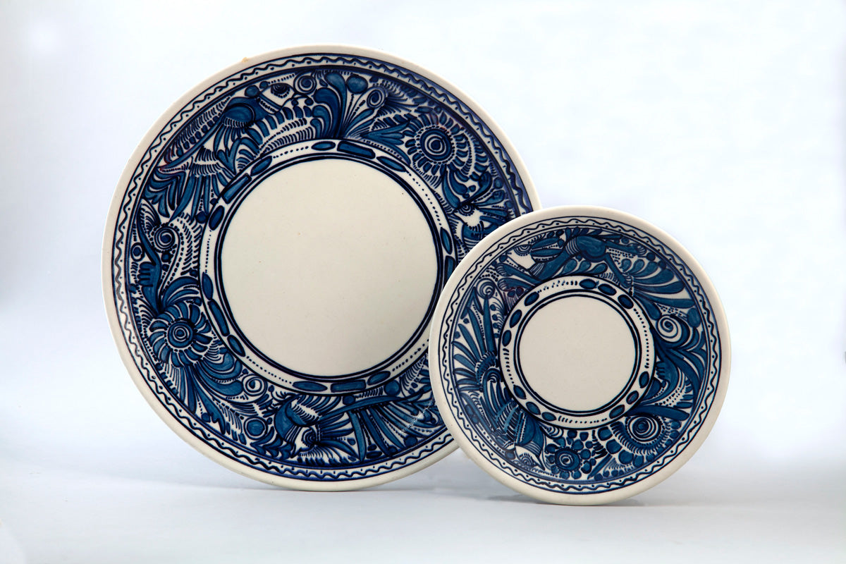 Set of two plates, 1960, from the «Fantasía» line (blue on white).  Courtesy of Museo Franz Mayer.