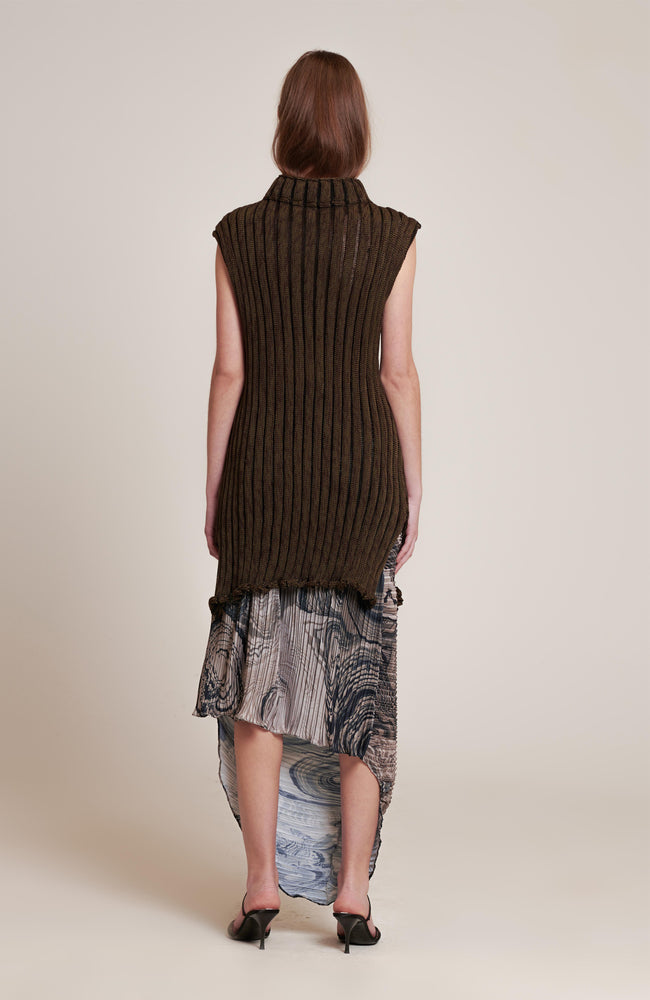 NEBULA SLEEVELESS SWEATER