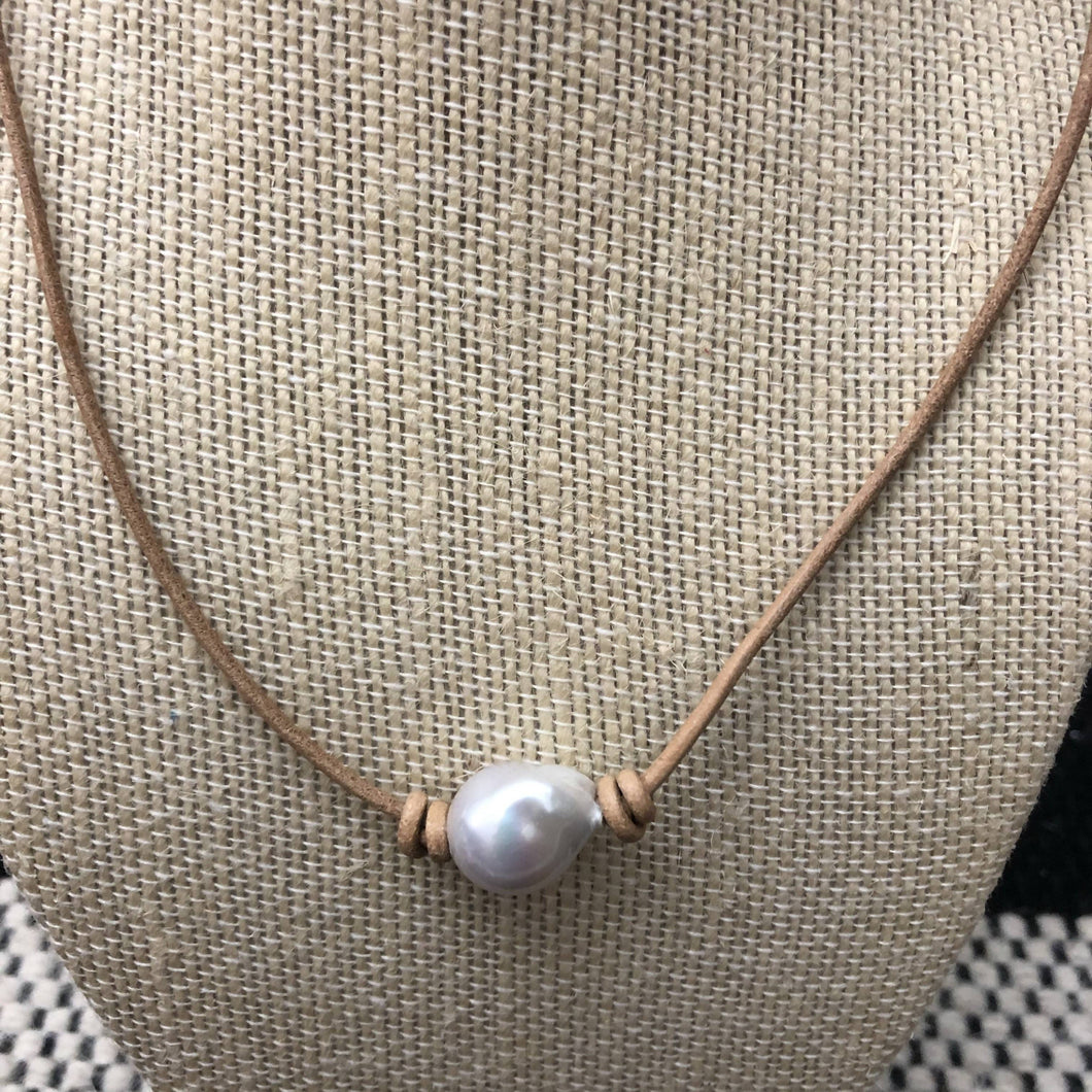 leather necklace baroque freshwater pearl no.2