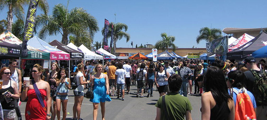 Warped Tour merch tents 2010-08-10 01