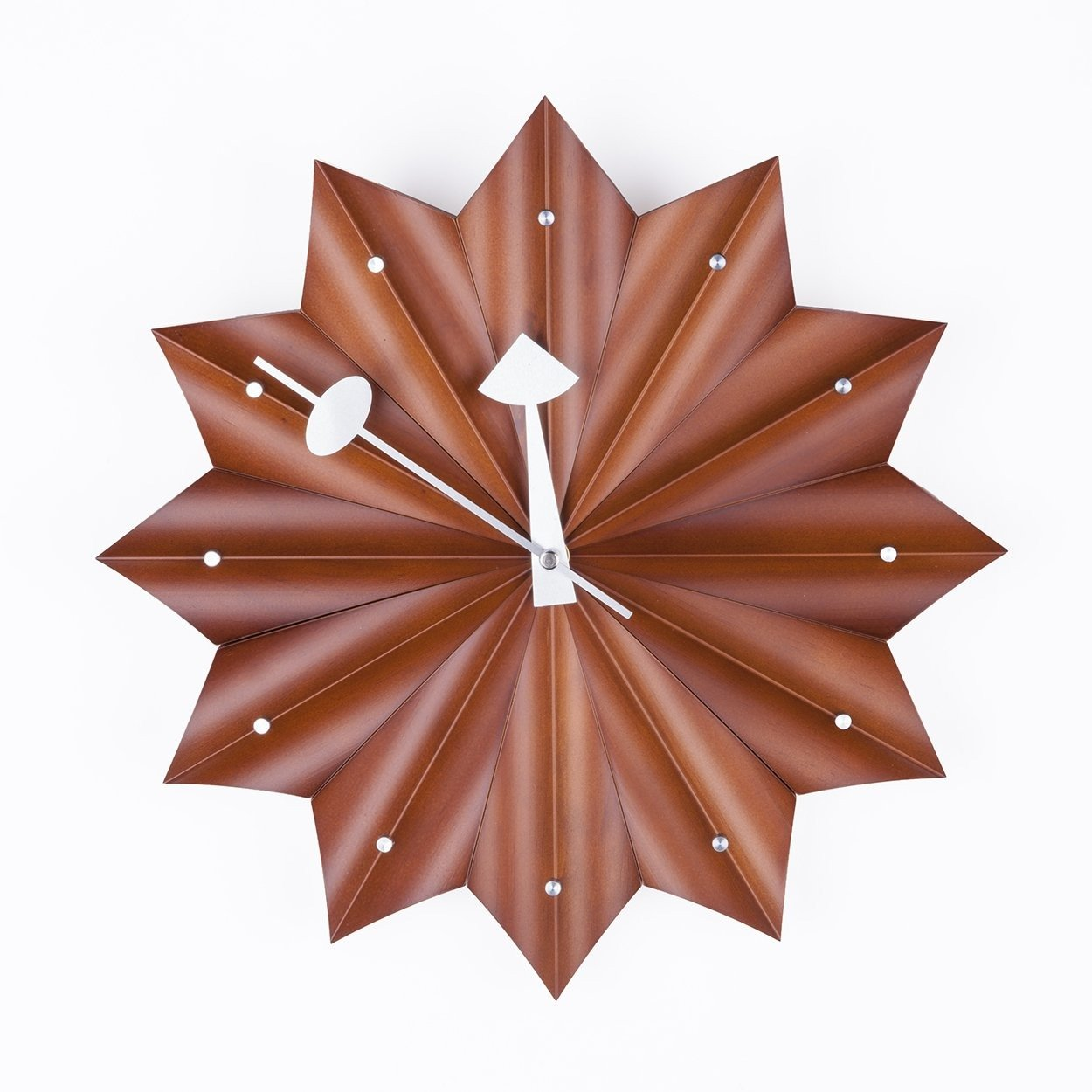 [G132314WALNUT] Medallion Clock SALE