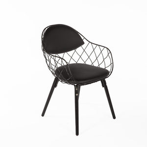 [FD180BLK] The Peanuts Arm Chair