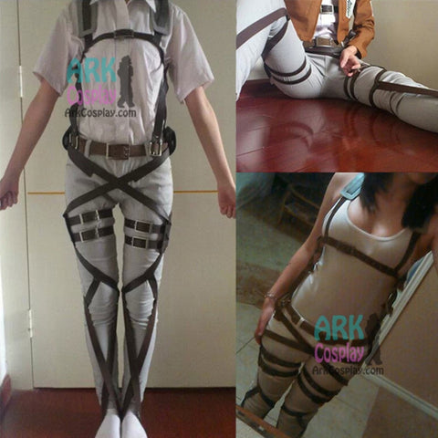 Attack On Titan - Maneuver Gear Cosplay - Cosplayuniverse.de