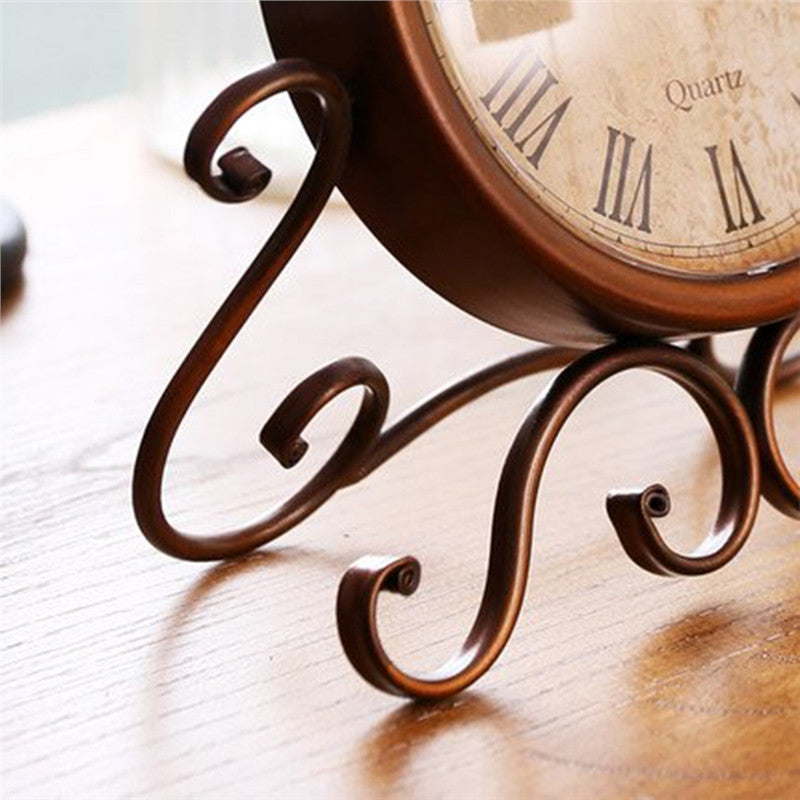 Retro Iron Craft Table Clock