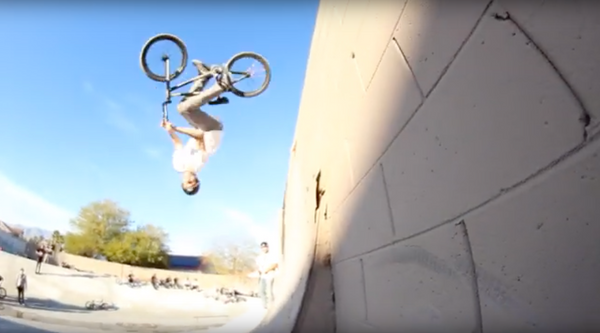 Watch Get Ditch 3 Jam video now!!!