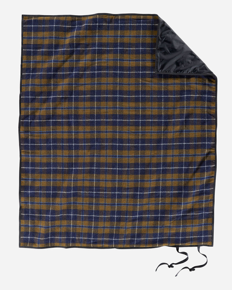 Nylon Backed Roll-Up Blanket Douglas Tartan