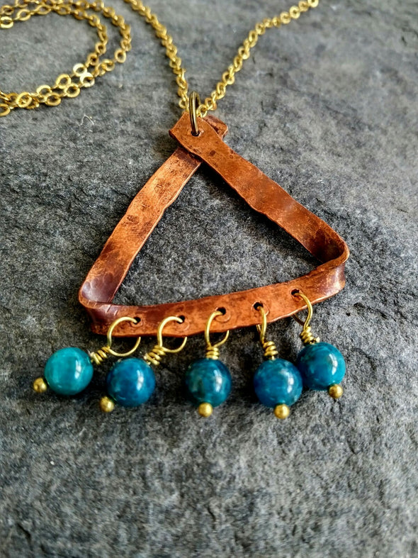 Hammered copper gemstone necklace