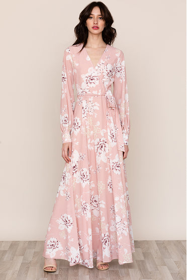 A full skirt complements the elegant, flowing silhouette of Yumi Kim's Giselle Light Pink Floral Maxi Dress.