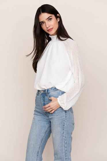 Get an effortless and elegant feel in Yumi Kim's Lexington Ave White Long Sleeve Top.