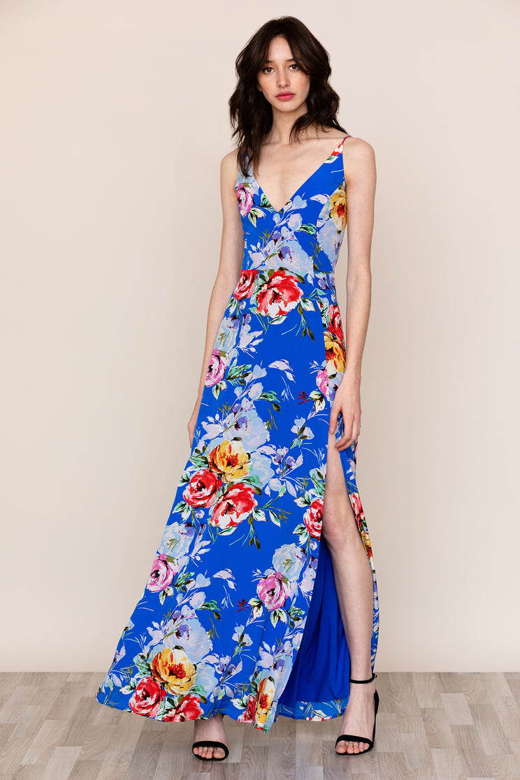 An elegant yet carefree silhouette makes Yumi Kim Jasmine Blue Silk Maxi Dress your go to event look.