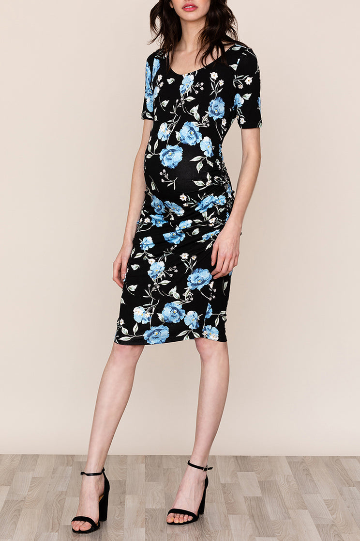 Yumi Kim's Blossom Floral Pregnancy Dress in Moonlight Bay is a unique twist on a classic shift dress for you and your bump in a comfortable jersey.