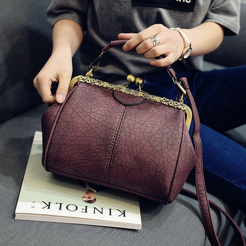 ba42dd796585 Vintage Casual Sequined Totes Small Shell Handbag Hotsale Women Coin Purses  Ladies Party Clutch Shoulder Messenger