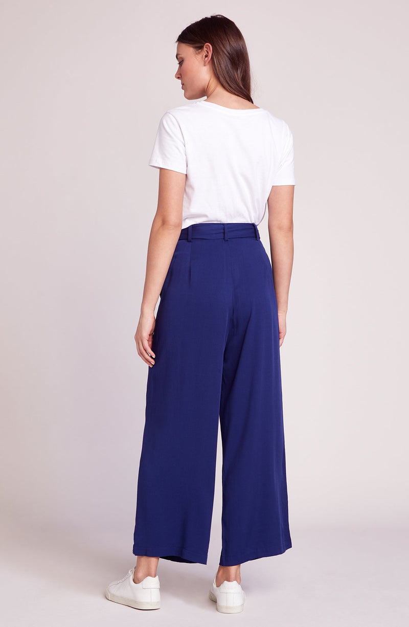 She's Sophisticated Crop Pant