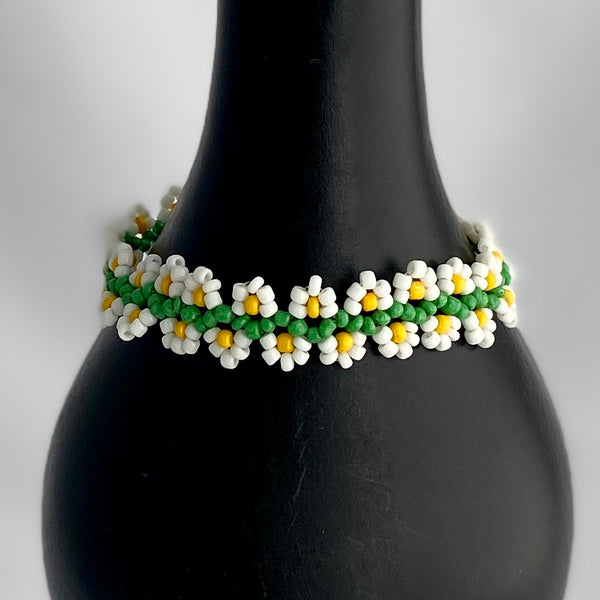stretchy beaded daisy chain bracelet