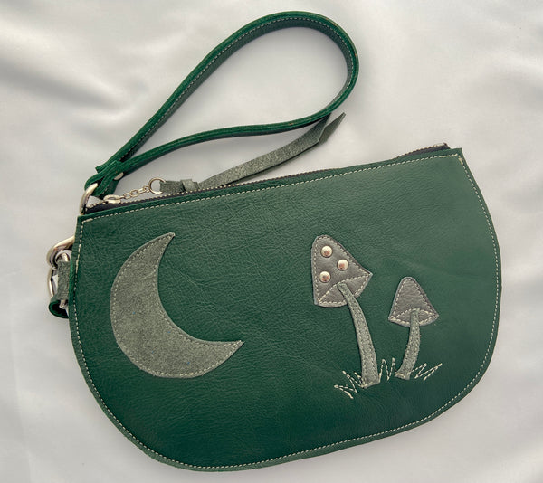 Green Dreaming Mushrooms Clutch