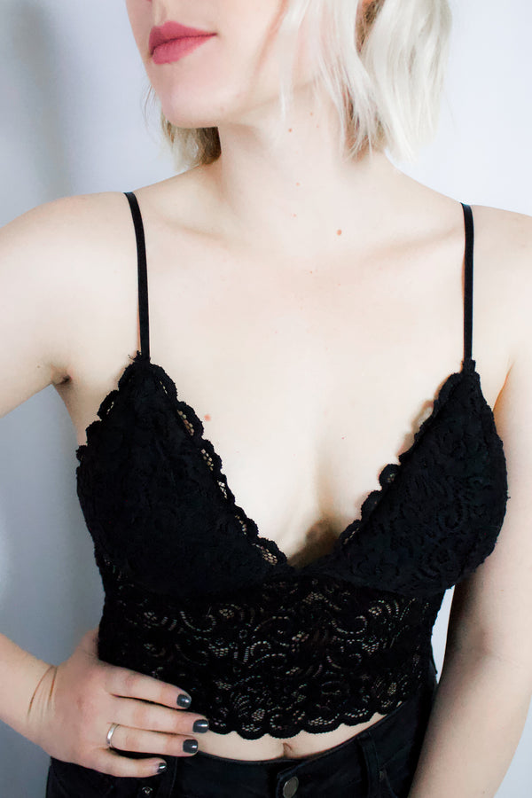 Lola Lace Bralette in Black