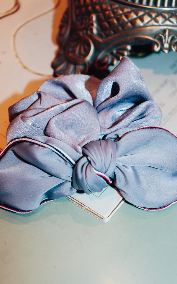 Lovely Lady Scrunchie Grey