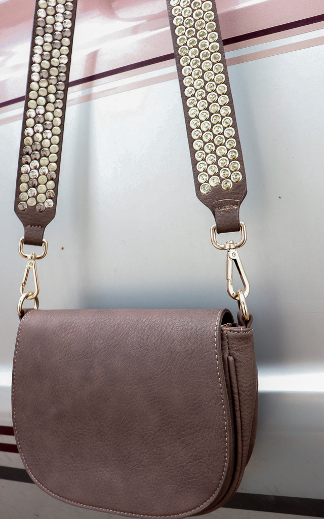 Sonido Crossbody in Taupe