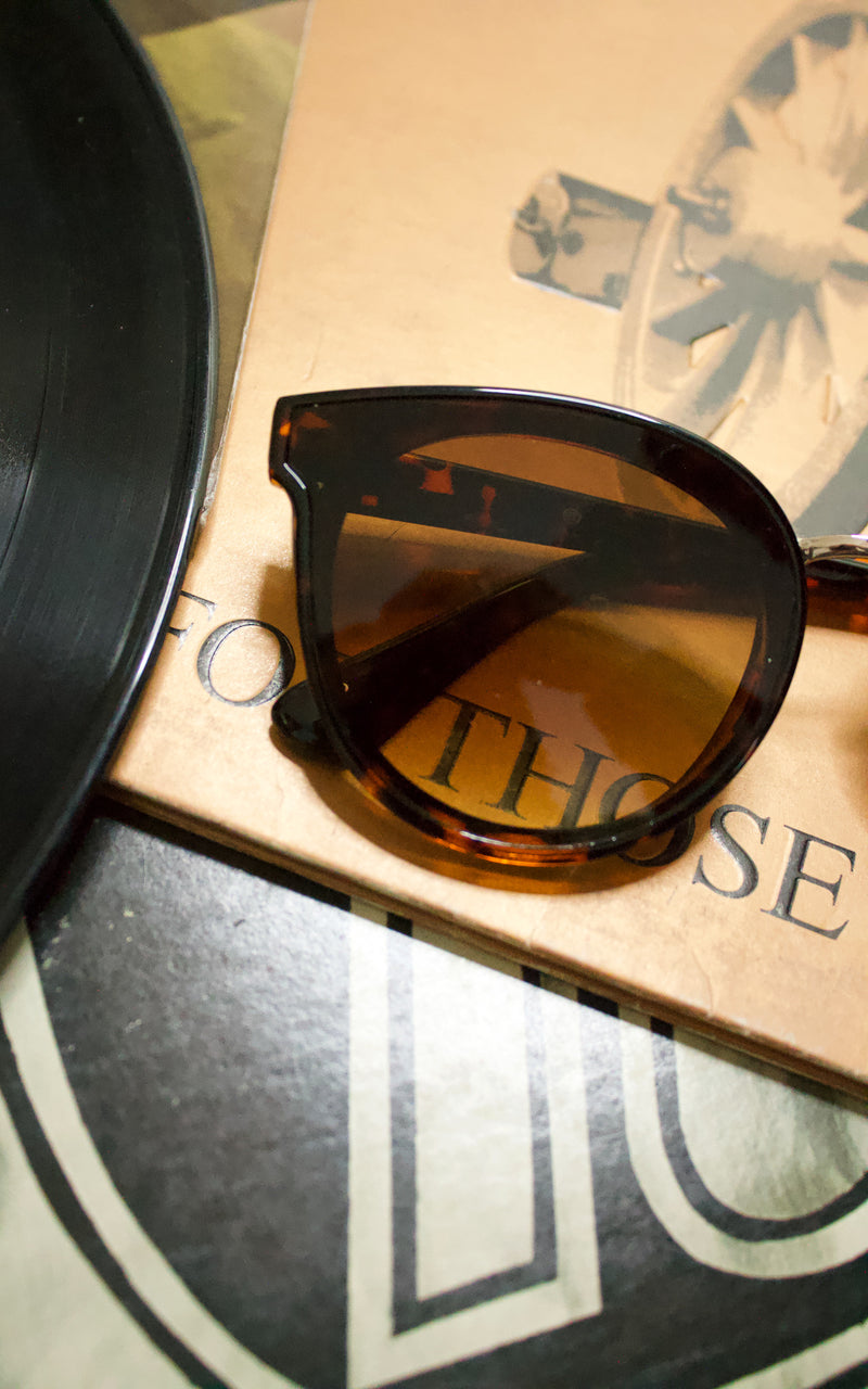 Posh Sunnies in Tortoiseshell