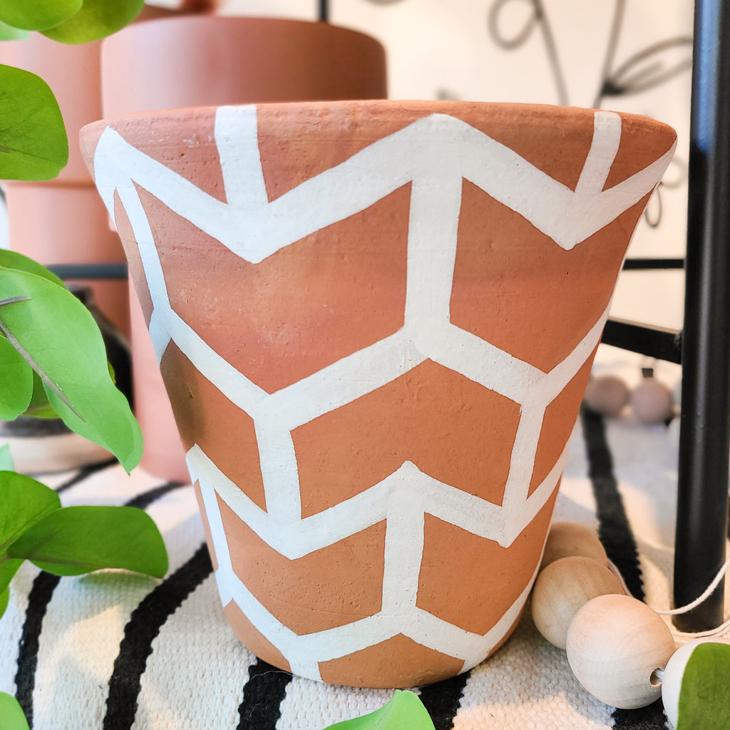 Nava Pot - Chevron