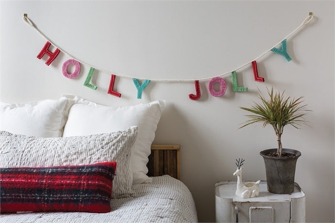 Holly Jolly Garland