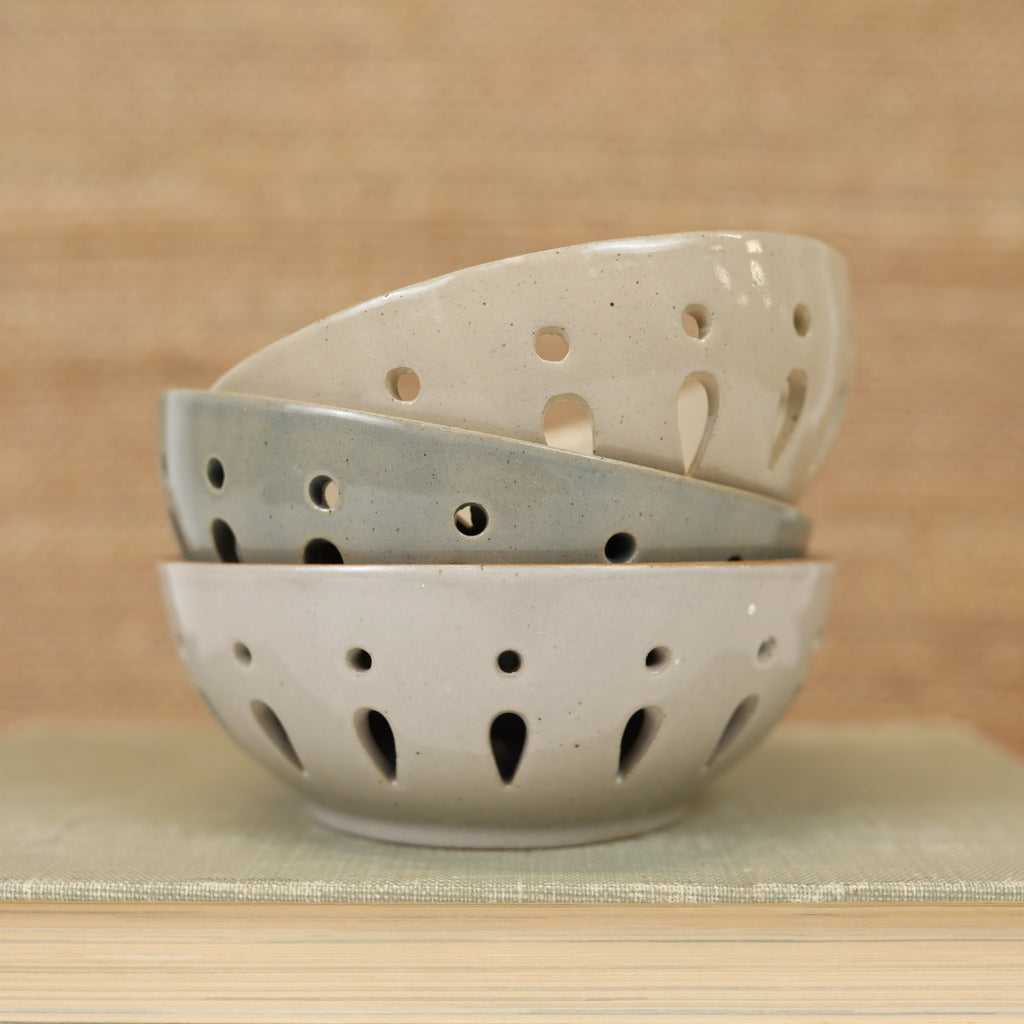 Round Berry Bowls - 3 Colors