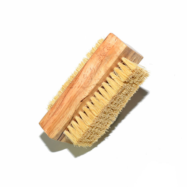 Nail brush made from Tampico fibre in medium bristle 100% natural vegetable fibres