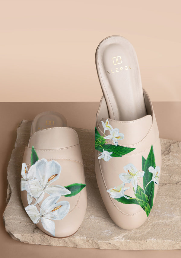 Mariposa Tropical  Flower Beige Mule
