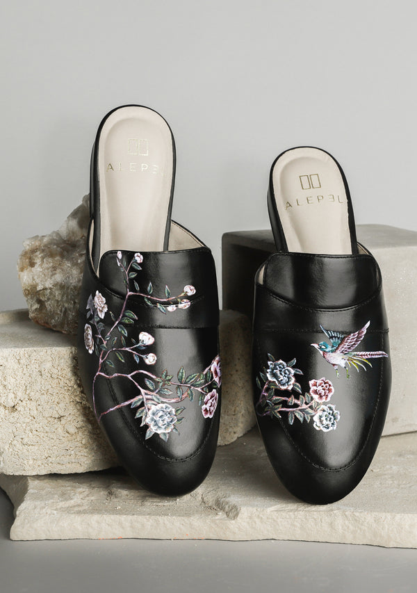 Roses and Swallow Black Mule