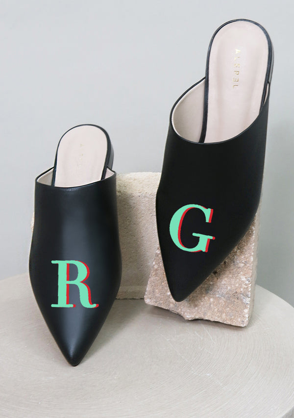 Monogram Black Pointe