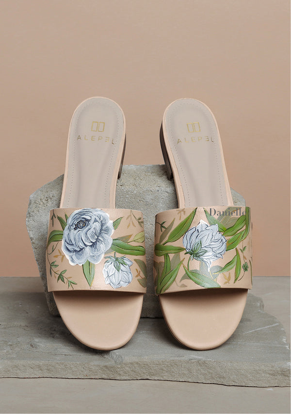 White Flowers Nude Leather Slide With Monogram