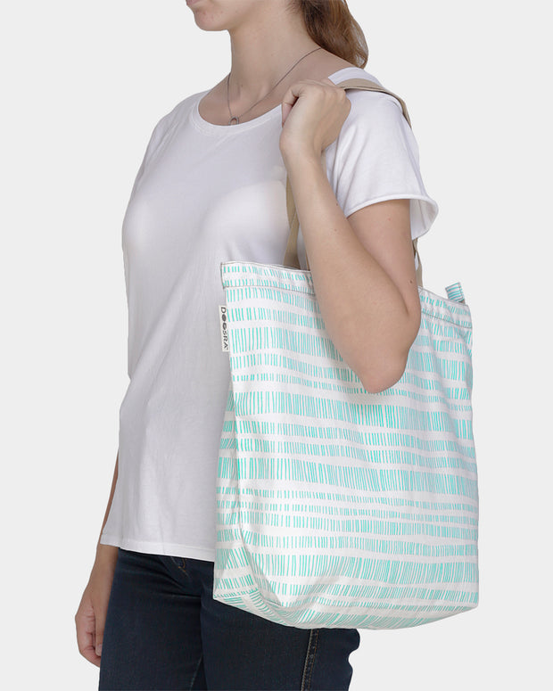 Handy Tote with Zip