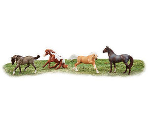 Breyer Reeves stablemates wild at heart
