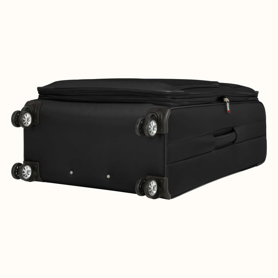 Large Check-In Skyway Luggage 29-inch Spinner Luggage in Black in  in Color:Black in  in Description:Bottom