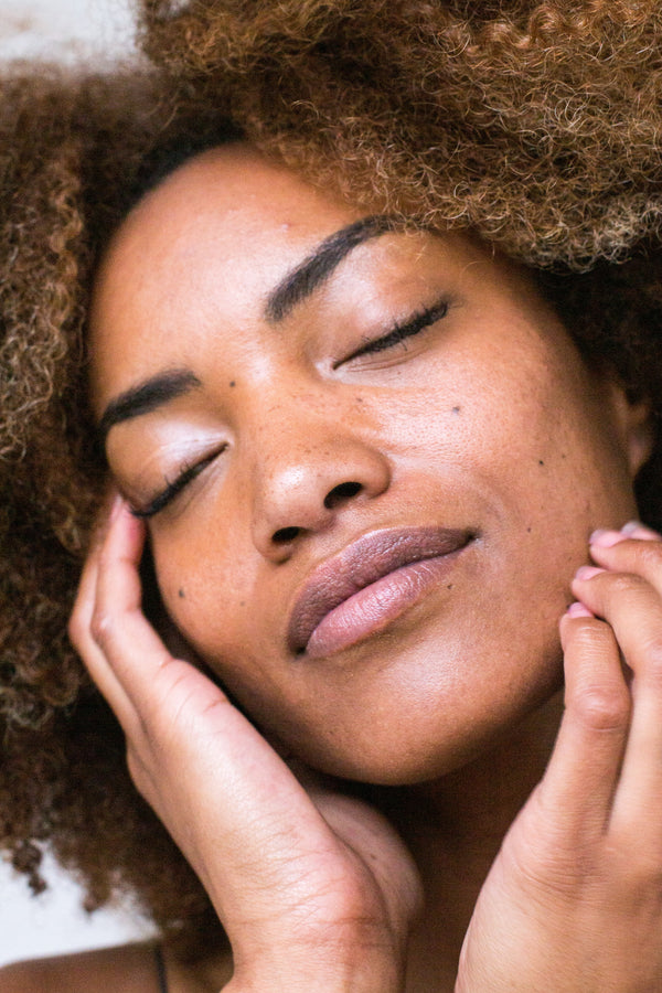 THE 9 BEST ANTI-AGING TIPS FOR A GLOWY SKIN