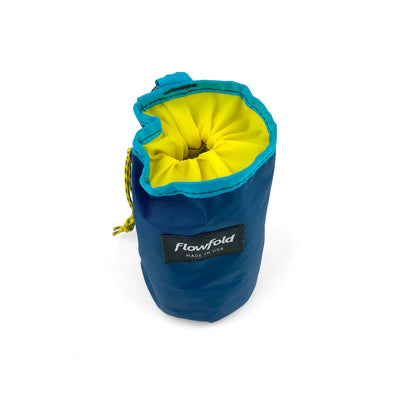 Flowfold Trailmate Dog Treat Pouch cinch closure