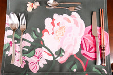 Load image into Gallery viewer, Perennials table runners and placemats