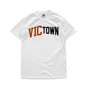VIC x BOARDERTOWN TEE - WHITE