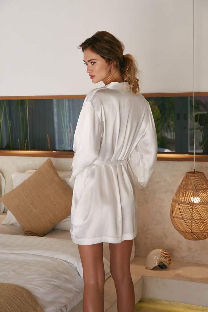 The Everyday Robe - Bright White - Wustler