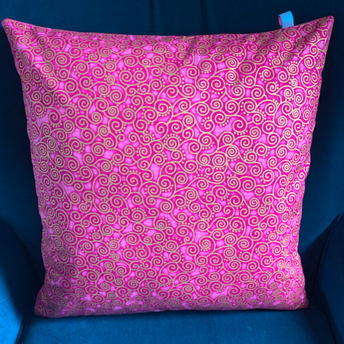 45 x 45 cm square velvet backed cushion cover - pink curly geometric