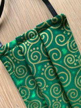Face Mask Green Curly Geo
